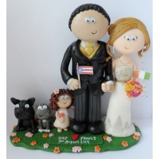 Family wedding cake topper with pets