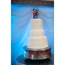 Pakistani wedding cake topper in action